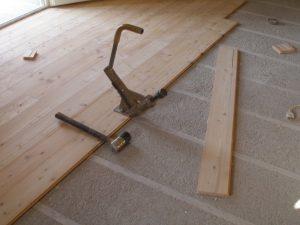 pavimento in legno inchiodato